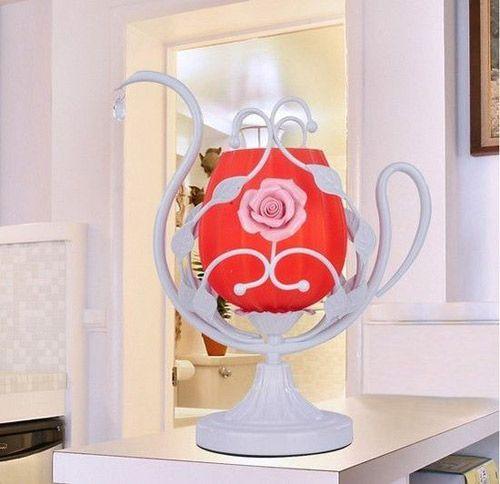 时尚公主蕾丝台灯 装扮浪漫卧室尽在不言中生活