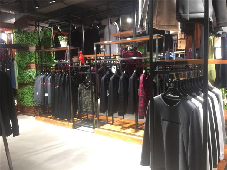 广州一手货源时尚商务品牌折扣男装在哪里批发便宜【资讯科技】
