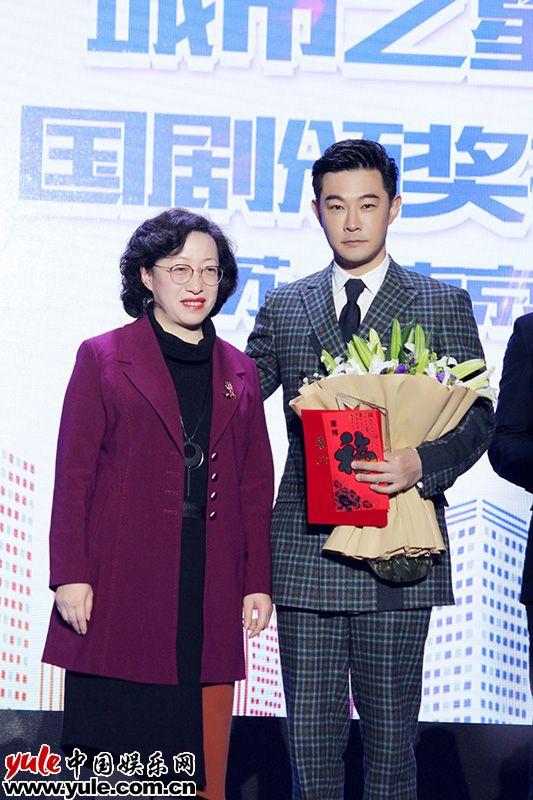 黄维德获观众最喜爱男演员现场调侃想拿新人奖